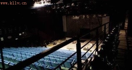 蜂巢剧场位于图片